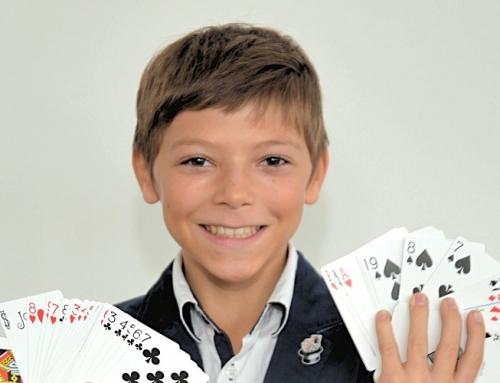 Suivez Gabriel dans ce grand concours de jeunes magiciens
